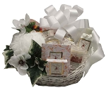 HONEY ALMOND AROMATHERAPY BASKET